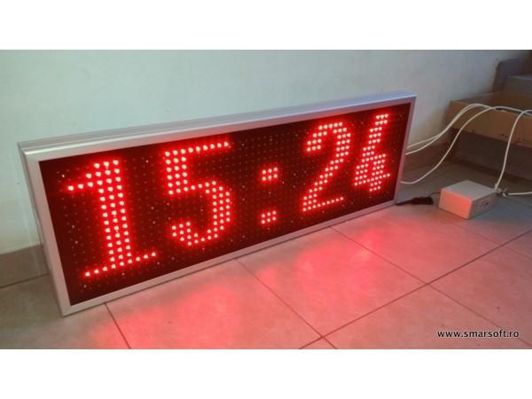 Afisaj electronic 1190 x 410 cu dispozitiv de comanda GSM