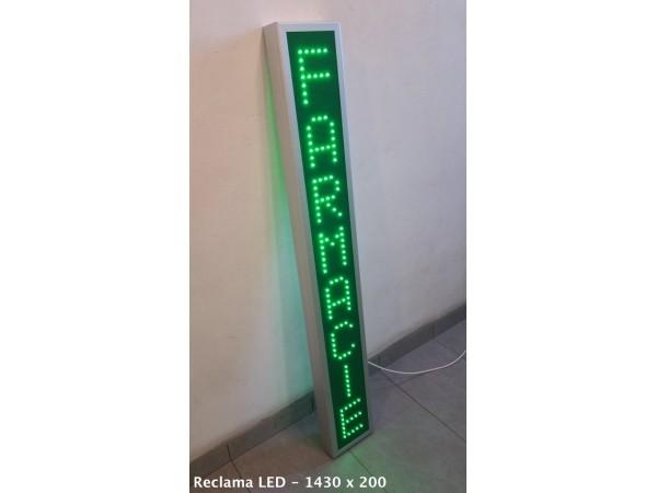 Reclama verticala cu LED-uri pentru FARMACIE
