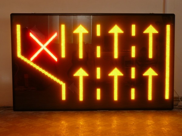 Panou LED 2000 x 1200 BENZI