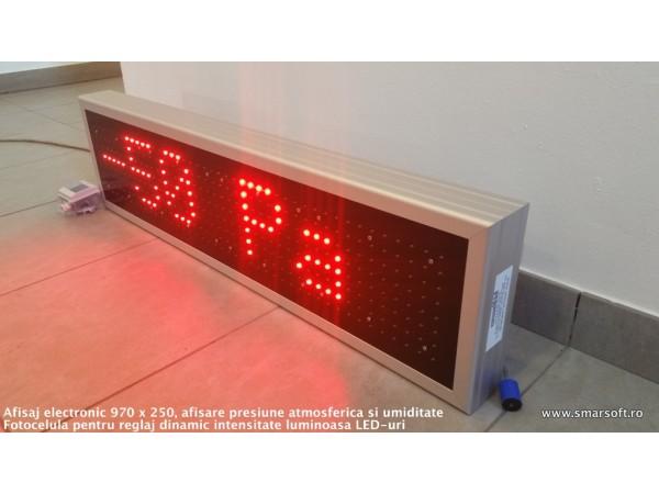 Afisaj cu LED-uri 970 x 250, afisare presiune atmosferica si umiditate relativa