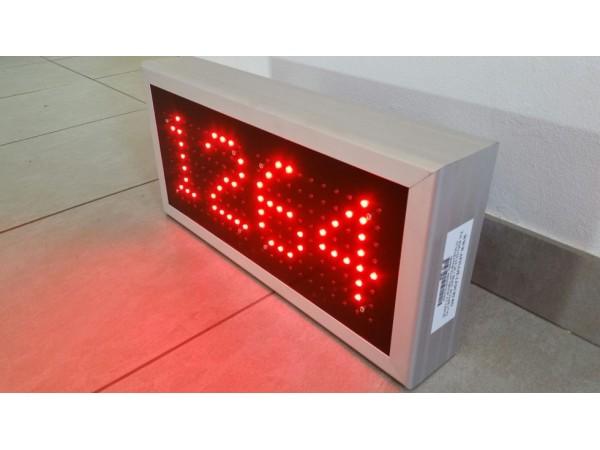 Numarator cu LED-uri 4 caractere, 450mm x 212mm DP16